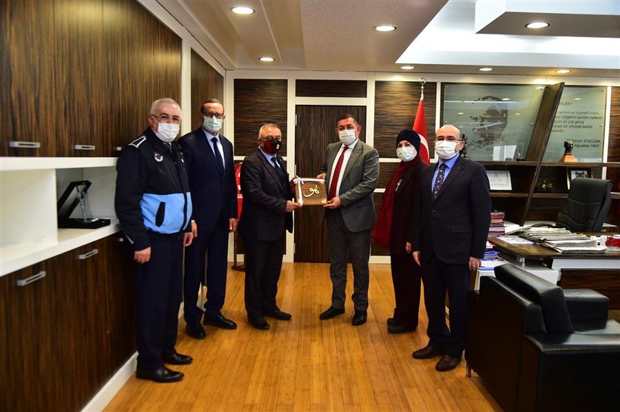 15 Mart Dünya Tüketiciler Günü Kapsamında Kastamonu Belediye Başkanı Sayın Op. Dr. R. Galip VİDİNLİOĞLU'na Nezaket Ziyaretinde Bulunuldu.